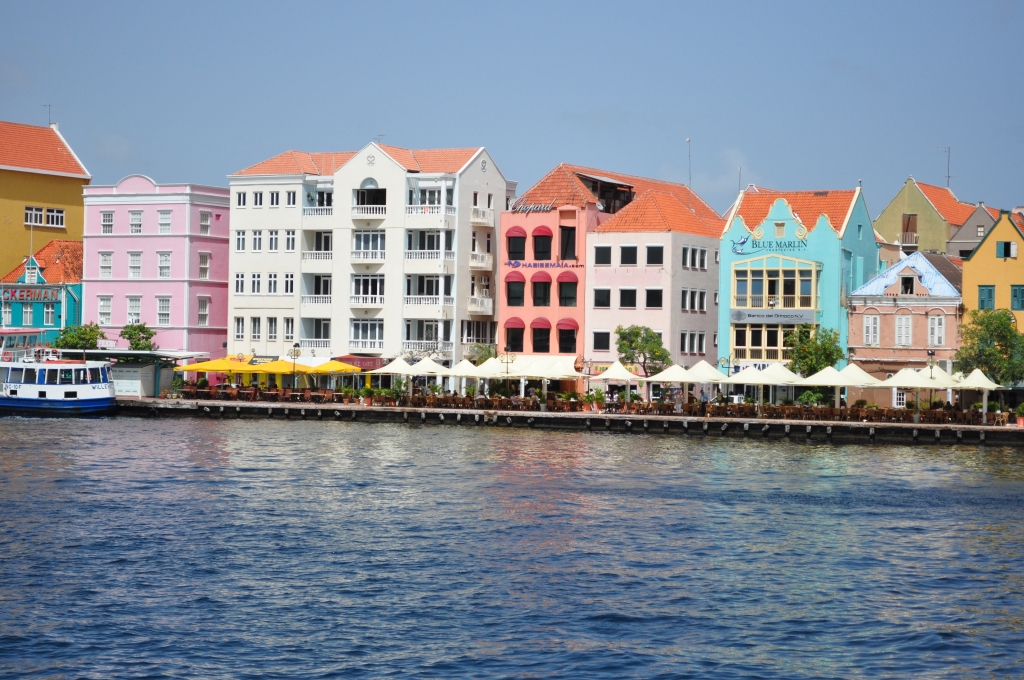 {The Vacation Chronicles: Willemstad, Curacao & The Swinging Old Lady}